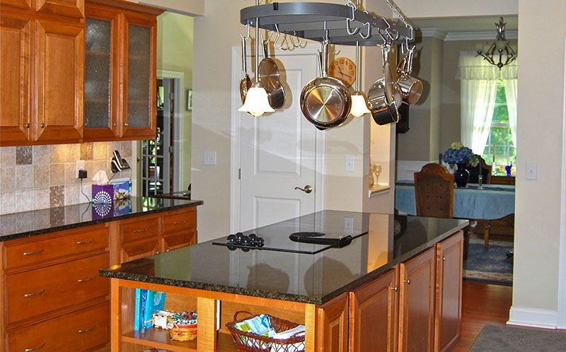 epic-building-company-ohio-new-construction-kitchen-hanging-pots