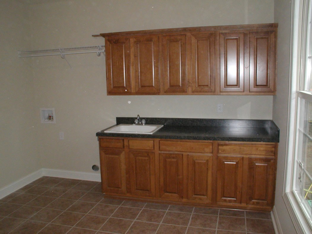 Epic-Building-Company-Pataskala-Laundry-Room-Cabinets
